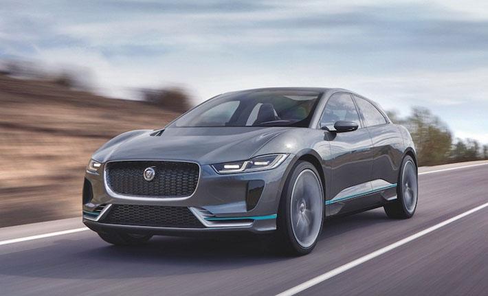 """""""Jaguar"""" şirkəti brendin tarixində ilk olan elektriklə çalışan """"I-Pace"""" krossoverini təqdim edib. Prototipin rəsmi təqdimatı Los-Anceles avtosalonunda keçirilib. Avtomobil 2018-ci ildə satışa çıxarılacaq. """"Jaguar I-Pace""""-in əsas rəqibi krossover """"Tesla Model X"""" olacaq."""