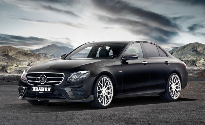 Almaniyanın Brabus atelyesi yeni nəsil sedan Mercedes-Benz E-Class W213 üçün təkmilləşdirmə proqramı hazırlayıb. Tünerlər modelin eksteryerini və interyerini dəyişməyi, o cümlədən bəzi modifikasiyaları daha da gücləndirməyi təklif edirlər. Brabus mütəxəssisləri sedan üçün iki versiyada bodi-kit hazırlayıblar. Hər iki asmada qabaq splitter, baqaj qapısında kiçik spoyler və arxa diffuzor quraşdırılacaq. Variantın birini digərindən qabaq hissədəki hava çıxıntıları ilə fərqləndirmək mümkündür.