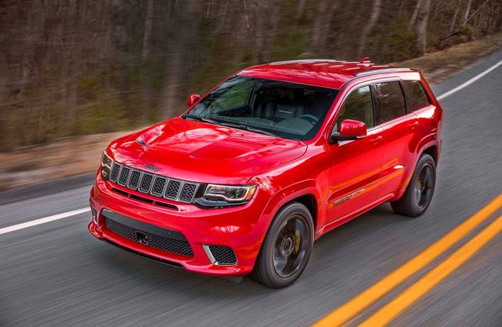 Jeep şirkəti yolsuzluq avtomobili Grand Cherokee-nin güclü modifikasiyasını təqdim edib. O, Trackhawk adlandırılıb. Avtomobil istehsalçısı yeniliyi dünyada seriyalı yolsuzluq avtomobilləri arasında ən güclü və cəld adlandırır.