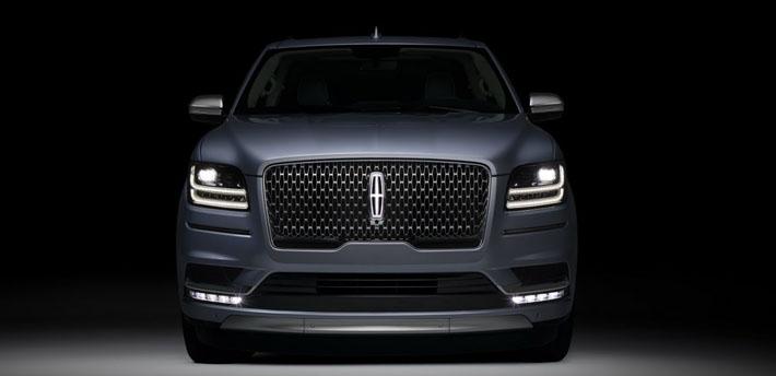 Lincoln şirkəti yolsuzluq avtomobili Navigator-un yeni nəslini təqdim edib. Xarici görünüş cəhətdən demək olar ki, tamamilə konsept-karı təkrarlayan modelin dünya debütü Nyu-York motorşousunda keçiriləcək.