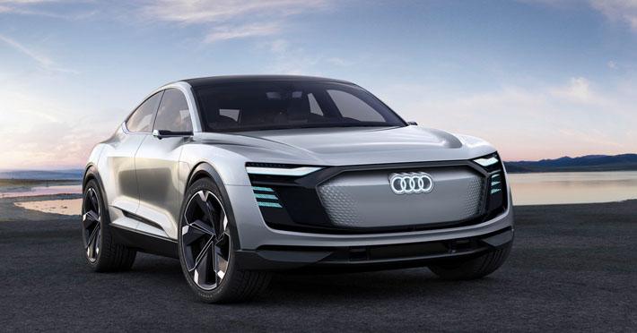 Audi şirkəti yeni konseptini - E-Tron Concept Sportback təqdim edib. Dördqapılı SUV-un prototipini bu həftə açılan Şanxay avtosalonunda təqdim ediblər. Alman brendinin ilk elektrokarı gələcəkdə bir sıra yeni texnologiyalar və dizayn elementləri alacaq. O, 2018-ci ildə təqdim ediləcək.