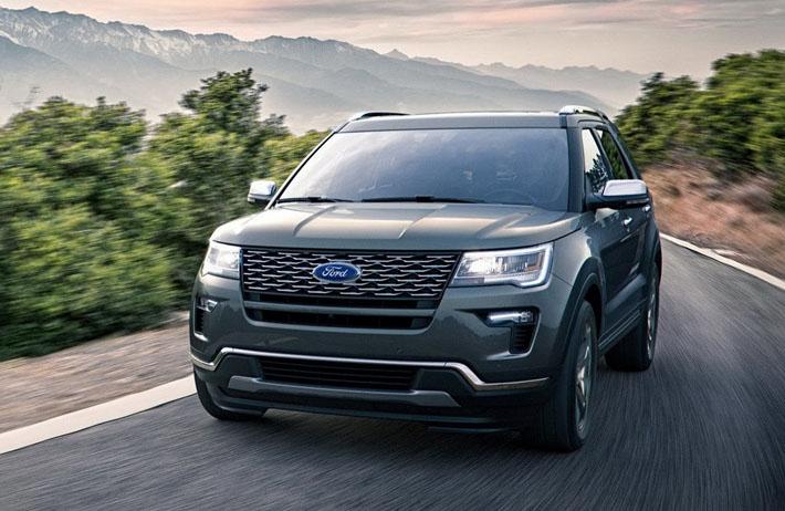 Ford şirkəti yolsuzluq avtomobili Explorer-in restaylinq olunmuş versiyasını təqdim edib. Debütdən dərhal sonra yenilik ABŞ bazarına çıxarılacaq, lakin digər bazarlarda Explorer-in peyda olacağı vaxt məlum deyil.