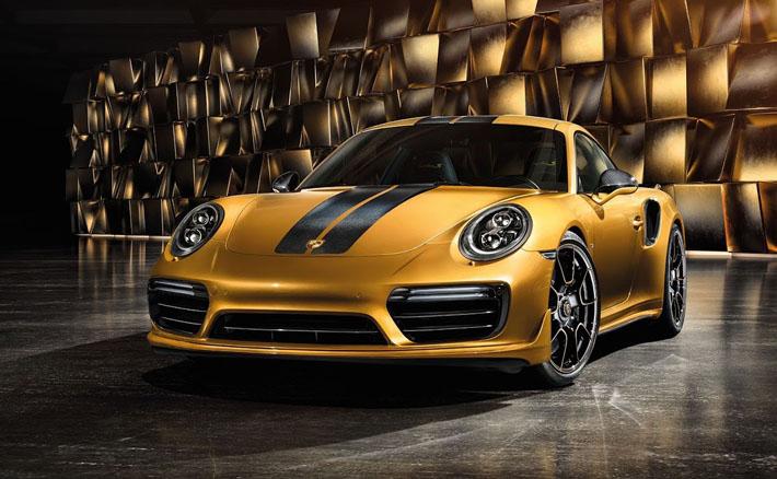 Porsche şirkəti flaqman sportkarı 911 GT2 RS-in buraxılışı ərəfəsində məhdud sayda istehsal olunacaq xüsusi modifikasiyalı 911 Turbo S barədə elan verib. Eksklüziv işləmələr, xüsusi olaraq hazırlanmış qol saatları və dəri çantalar dəsti ilə yanaşı, sportkara, həmçinin nadir xüsusiyyətlər əlavə olunacaq. Porsche 911 Turbo S Exclusive Series 3,8-litrlik turbolaşdırılmış mühərrikini qoruyub saxlayıb, lakin onun məhsuldarlığı 607 a.g.-ə qədər (+27 a.g.) artıb.