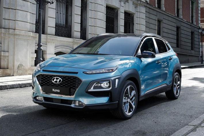 Hyundai şirkəti yeni kompakt krossover Kona-nın sirrini açıb. O, Havay adalarındakı şəhərin şərəfinə belə adlandırılıb. Model geniş mühərrik qamması və zəngin təchizat, o cümlədən opsional tam ötürücü və iki növ asılqan alıb.