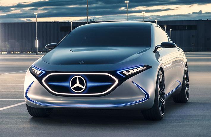 Mercedes-Benz şirkəti Frankfurt avtosalonunda EQA adlı A-class elektrik hetçbəkinin prototipini təqdim edib. Konsept-karın seriyalı versiyası BMW i3-ün birbaşa rəqibi olacaq.